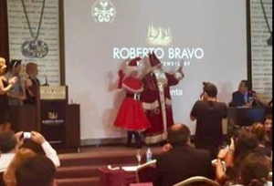 Mrs Claus at Press Conference Turkey